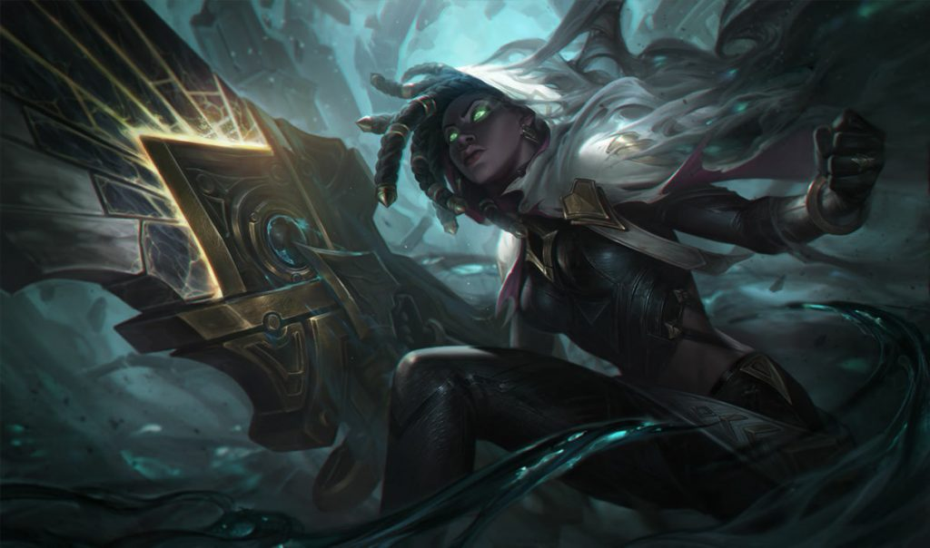 Senna can be played as ADC or as a Support. In this case, we've decided to explain how much useful she is if she's played as the support.